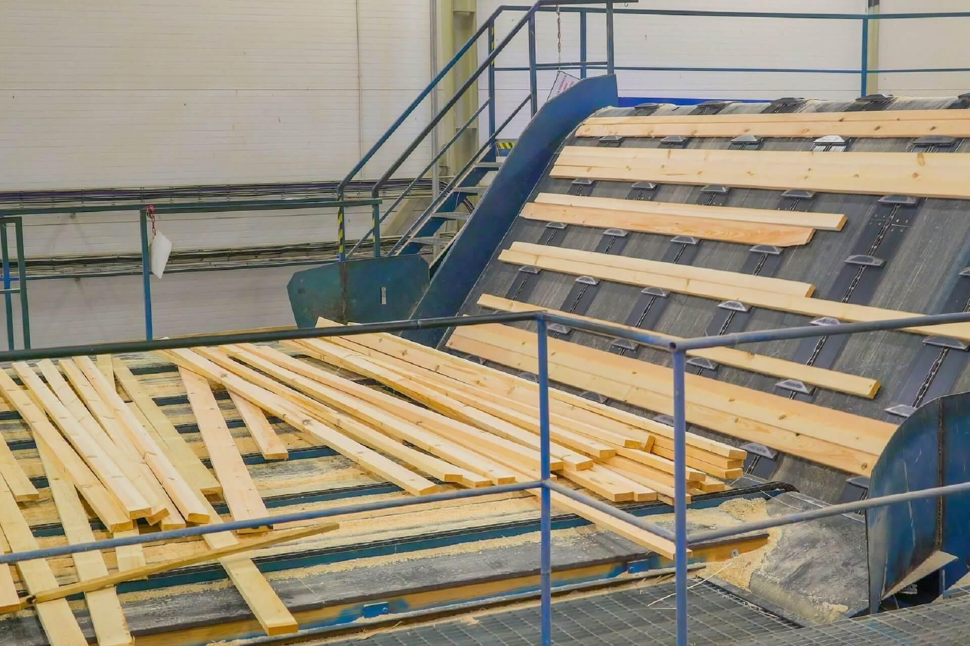 fasi lavorazione del legno melaninico