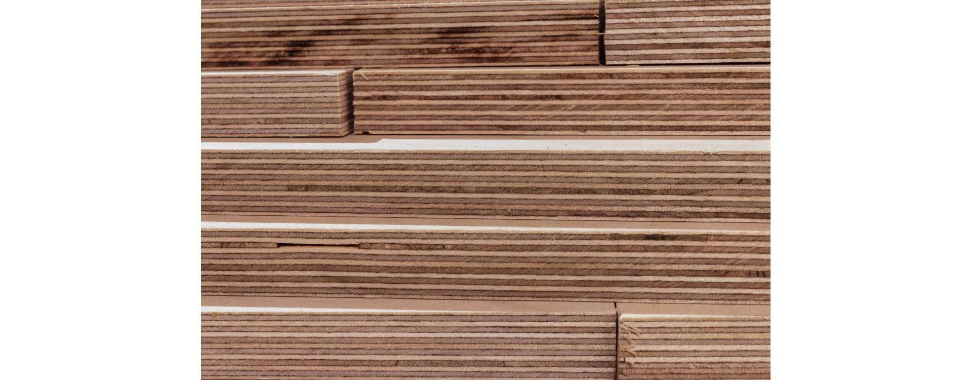 Multistrato compensato di pino marino fenolico: qualità e resistenza all'acqua