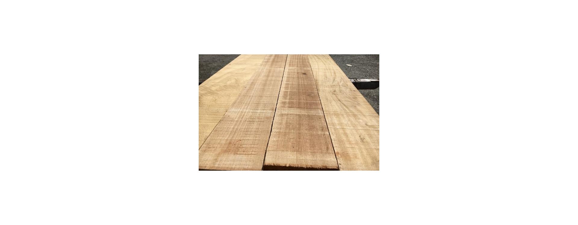 Scopriamo insieme le tavole di legno Ayous, leggere ed economiche
